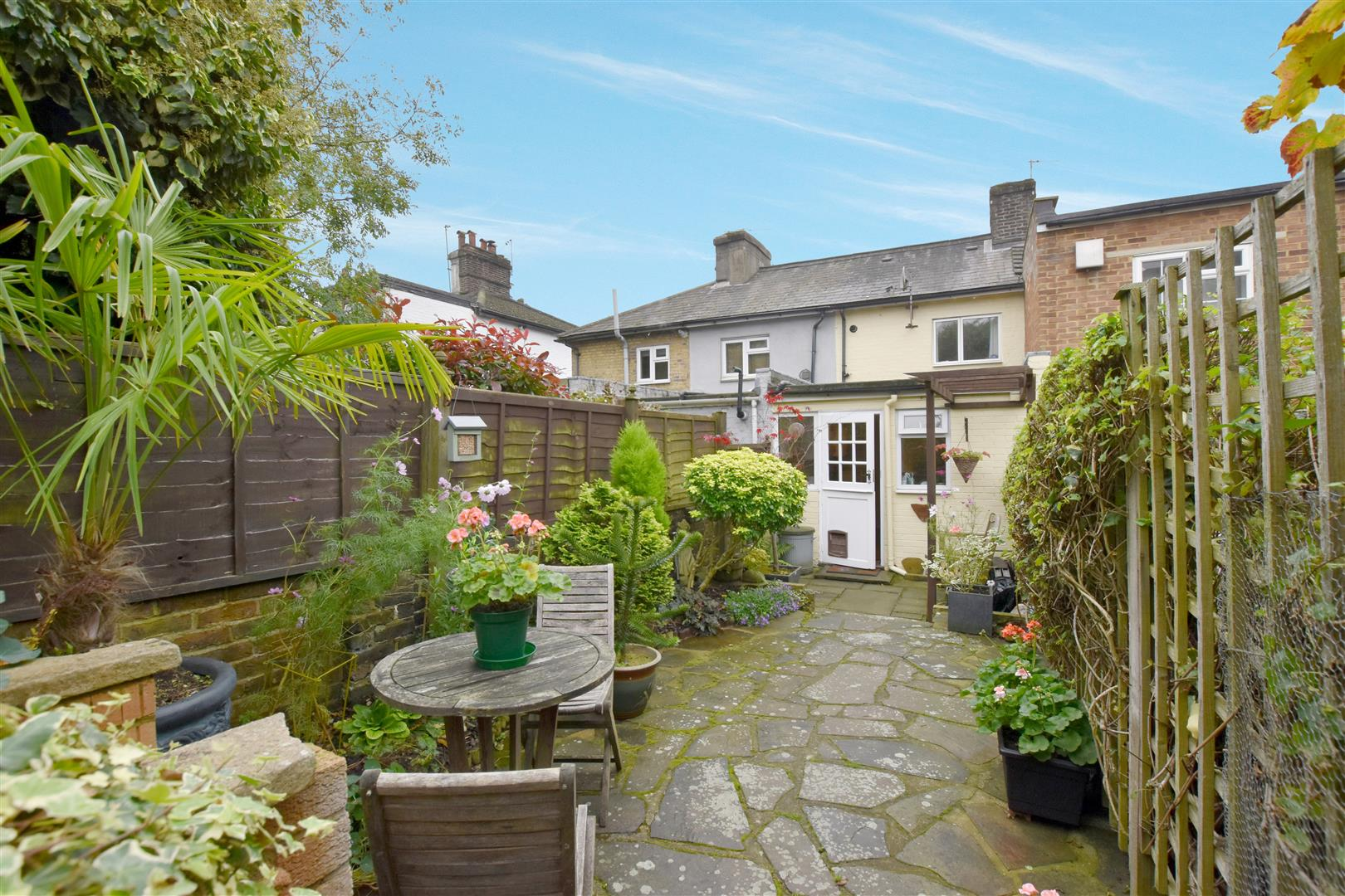 2 Bedrooms House for sale in Redstone Hill, Redhill